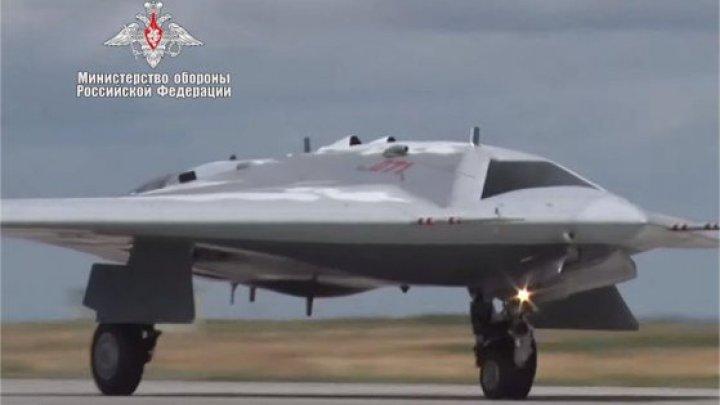 Rusia a prezentat o înregistrare a primului zbor efectuat de drona invizibilă pe radar Suhoi S-70 Okhotnik-B