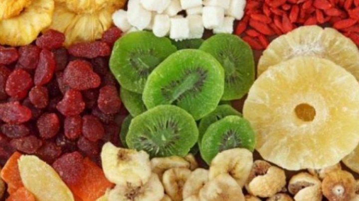 Tu le mănânci? Adevărul despre fructele confiate pe care nimeni nu îl spune