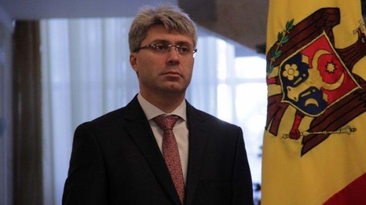 Directorul CNA Ruslan Flocea continuă să fie subalternul lui Igor Dodon. Iată DOVADA