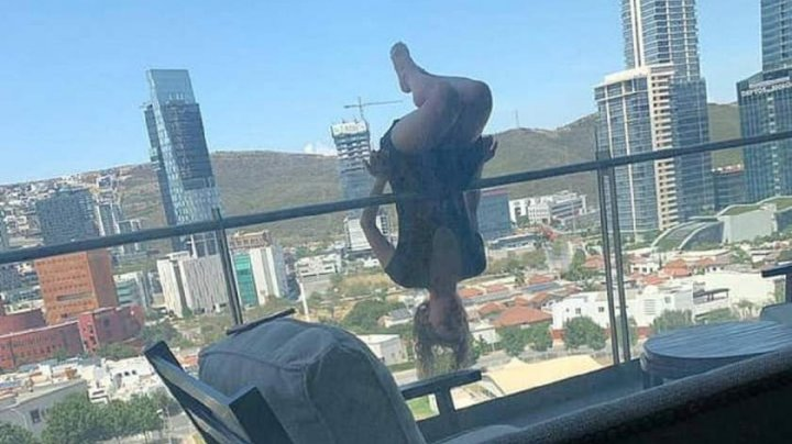 O tânără de 23 de ani a căzut de la etajul 6, în timp ce făcea yoga
