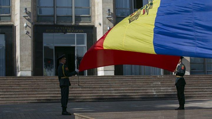 ZI DE DOLIU, LA CHIŞINĂU. Cum au fost comemorate victimele tuturor regimurilor totalitare și autoritare (FOTOREPORT)