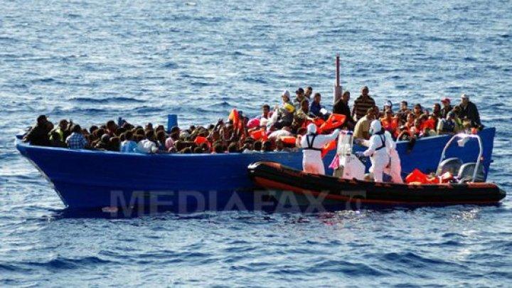 Grecia, sufocată de migranți. Guvernul a început mutarea azilanților de pe insulă pe continent
