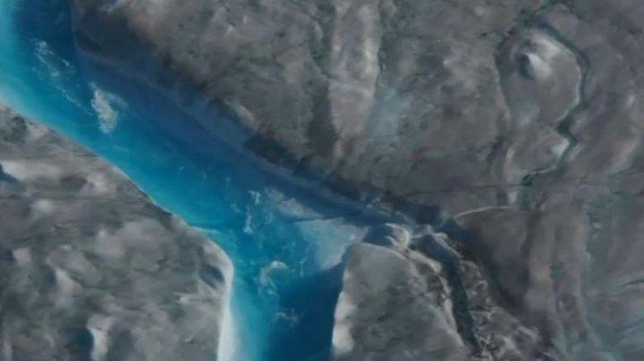 Încălzirea globală are urmări dramatice: Cea mai mare insulă a lumii a pierdut peste 200 de miliarde de tone de gheață