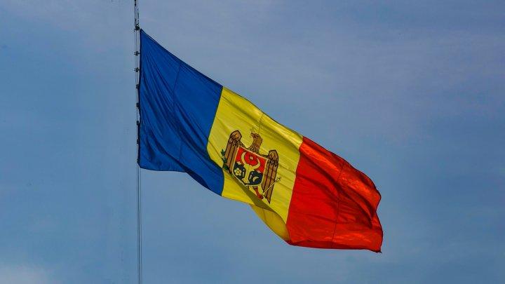 Opoziţia şi partidele extraparlamentare: De Ziua Independenţei, Moldova nu poate celebra libertatea şi integritatea