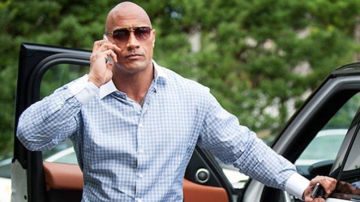 Actorul Dwayne Johnson îşi menţine poziţia în fruntea clasamentului celor mai bine plătiţi actori din lume