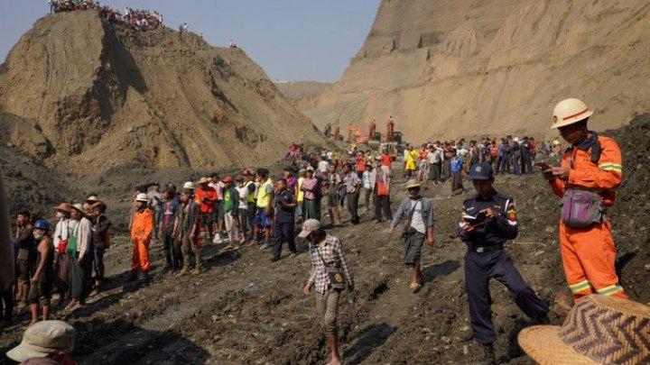 Alunecare de teren în Myanmar: Bilanţul morţilor a urcat la 65