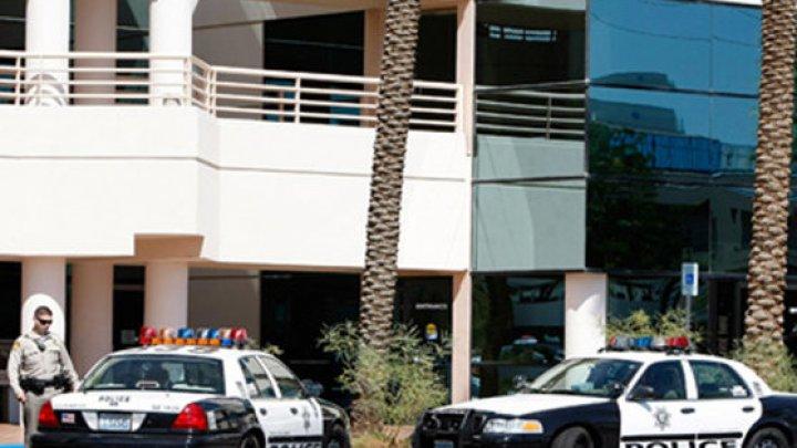 ATAC în SUA: Un individ a înjunghiat o femeie şi a încercat să rănească alţi oameni