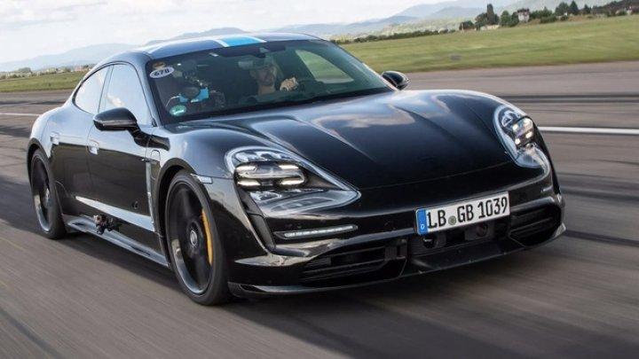 Porsche va instala Apple Music din fabrică la bordul noului Taycan