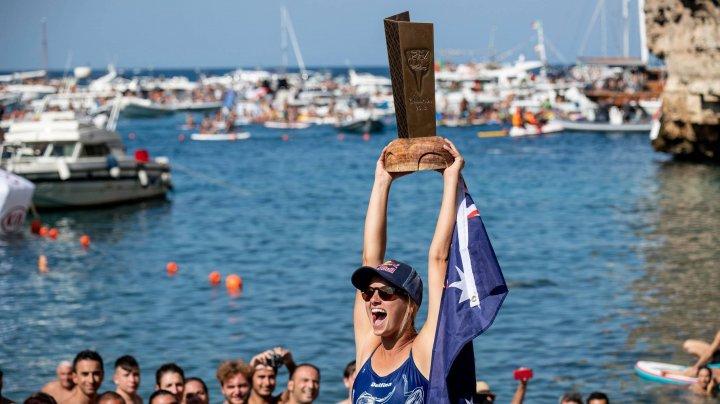 CAMPIONII LA CLIFF DIVING. Rhiannan Iffland a triumfat la etapa din Bosnia