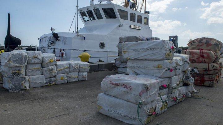 Captură impresionantă de droguri, de peste 65 de milioane de euro, la bordul unui iaht. Mai mulţi suspecţi, reţinuţi