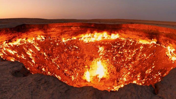 """""""Poarta iadului"""" din Siberia. Incendiile de vegetație ar putea activa o uriașă bombă cu ceas"""