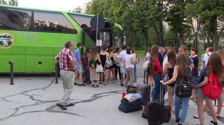 Câţi copii au mers la tabere de odihnă din Capitală în prima lună din vară şi pentru ce au optat aceştia