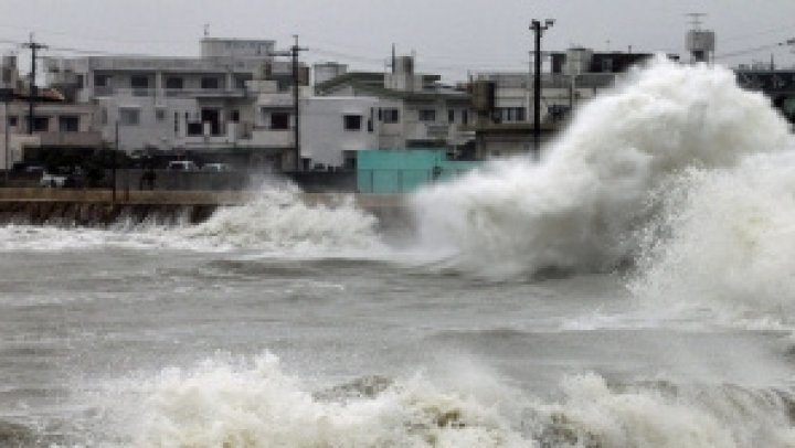 Taifunul Wipha a lovit coasta nordică a Vietnamului: Cel puţin cinci morţi şi 13 dispăruţi