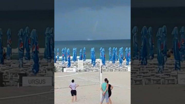 FENOMEN EXTREM: O tornadă puternică s-a format în Marea Neagră (VIDEO)