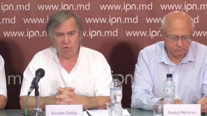 Un grup de intelectuali face apel către moldoveni: Igor Dodon TREBUIE OPRIT