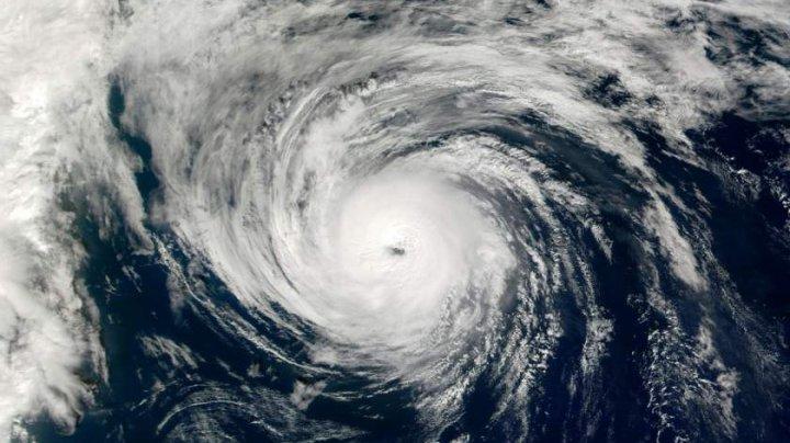 Hanna, primul uragan din actualul sezon al furtunilor din Atlantic, şi-a pierdut din intensitate şi s-a transformat într-o furtună tropicală