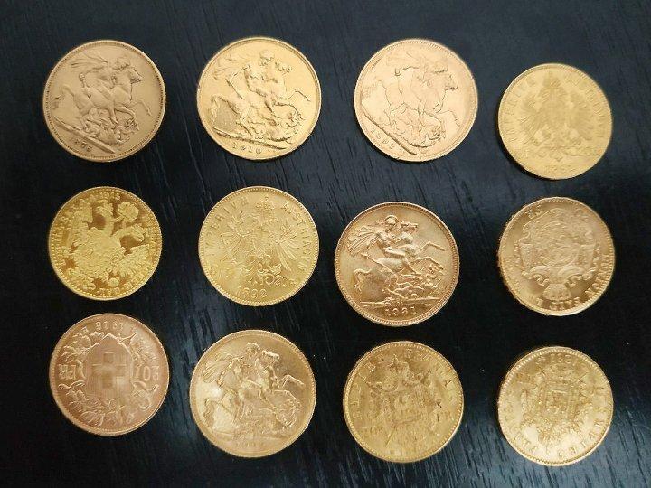 CONTRABANDĂ LA FRONTIERA DE STAT. Monede de aur, haine şi încălţăminte de sute de mii de lei au fost descoperite de vameşi (FOTO)