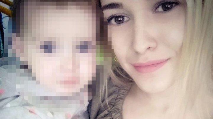O mamă din Belarus, ucisă de ziua ei, după ce fiica de doi ani i-a prins capul în geamul mașinii