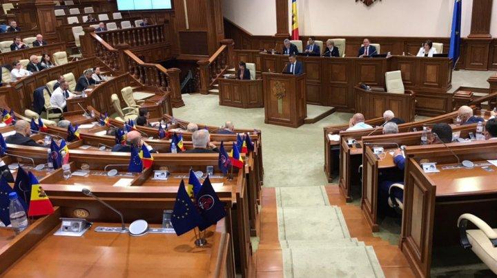 Imunitatea Marinei Tauber și a Reghinei Apostolova, RIDICATĂ cu 56 de voturi