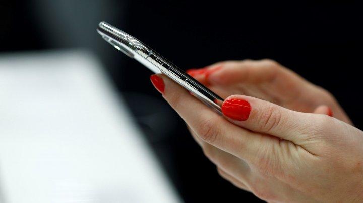 Moldovenii vorbesc mai puţin la telefon. Veniturile companiilor de comunicații electronice au scăzut în trimestrul doi al acestui an