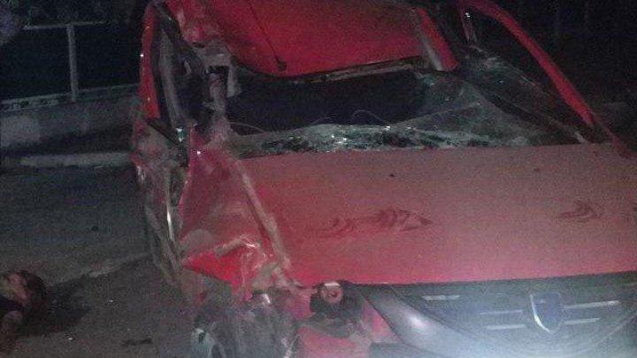 ACCIDENT GRAV la Criuleni. Pasagerul a murit, iar şoferul a fugit de la faţa locului (FOTO)
