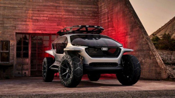 Concept-car cu funcții uimitoare. Audi a creat un vehicul off-road autonom care folosește drone ca să lumineze drumul (FOTO)