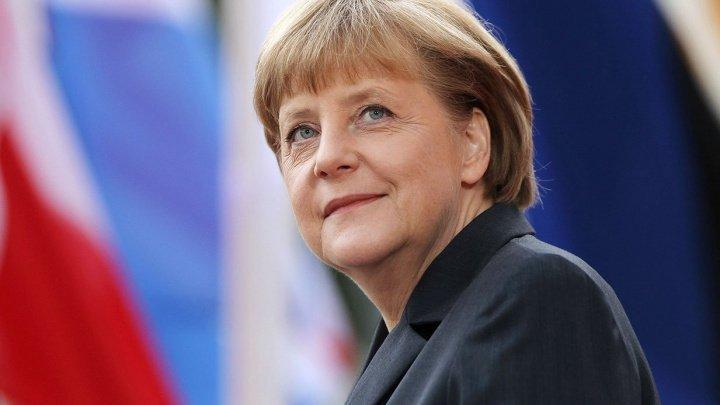 Angela Merkel vrea un milion de staţii de încărcare pentru maşinile electrice până în 2030
