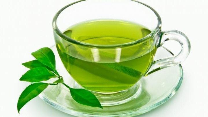 Cinci ceaiuri contraindicate după masa de seară. Plante de care să te fereşti