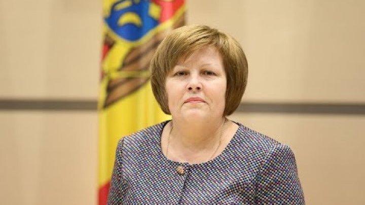Deputatul ACUM Maria Ciobanu a făcut-o căscată pe o femeie care a căzut