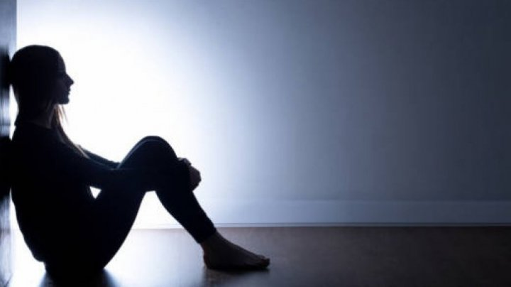 DEPRESIA: Nouă simptome care te pun pe jar