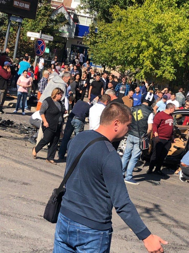 ACCIDENT TERIBIL în Capitală. Un troleibuz a intrat în mulțime. SUNT MULTE VICTIME (LIVE)