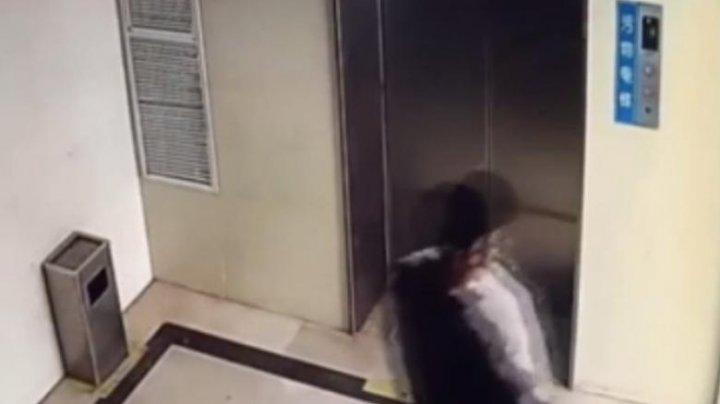 Un cuplu chinez și-a vândut fiica nou-născută cu 6.300 de euro pe internet