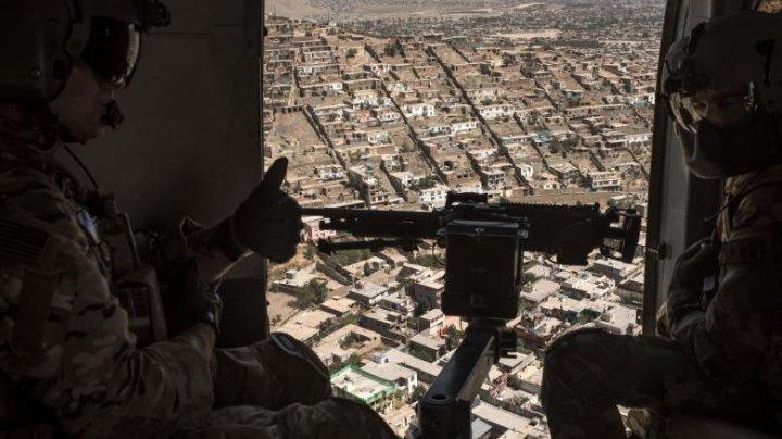 Statele Unite vor retrage 5.000 de militari din Afganistan. Vor închide mai multe baze militare