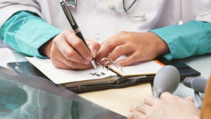 Medicii, care vor primi cadouri mai scumpe de o mie de lei, vor trebui să se împartă cu şefii (DOC)