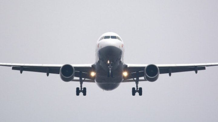 Studiu: Accidentele de avion mortale sunt mai puține dar mai costisitoare