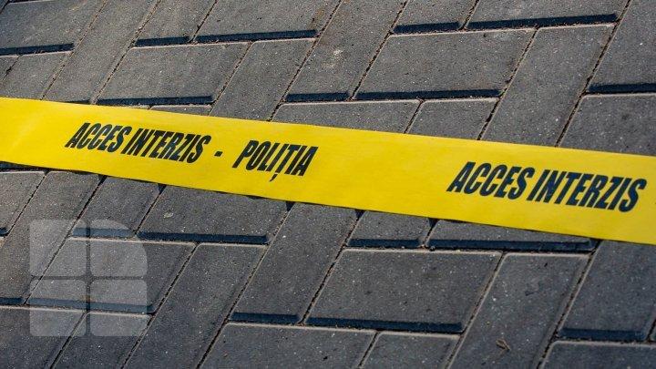 Cadavrul unui bărbat, găsit în raionul Ungheni. Acesta avea semne de moarte violentă
