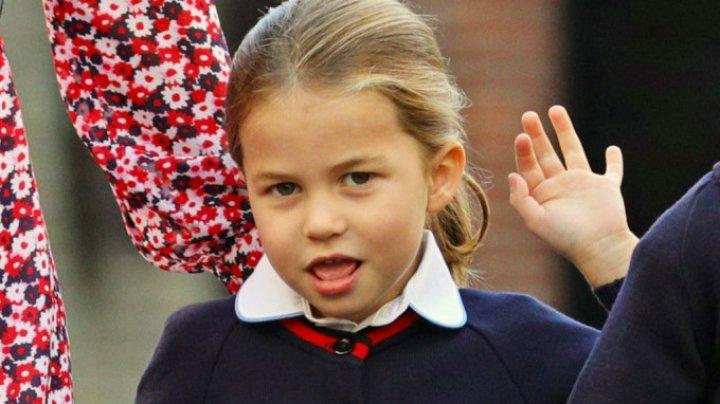 Vezi cum a arătat Prinţesa Charlotte în prima ei zi de şcoală (FOTO)
