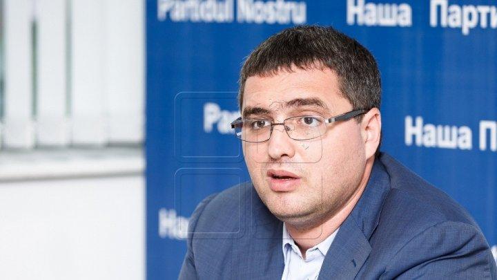 Renato Usatîi face DEZVĂLUIRI: Igor Dodon ar fi cerut mită de 50 de milioane de euro de la actualul concesionar al Aeroportului Chişinău