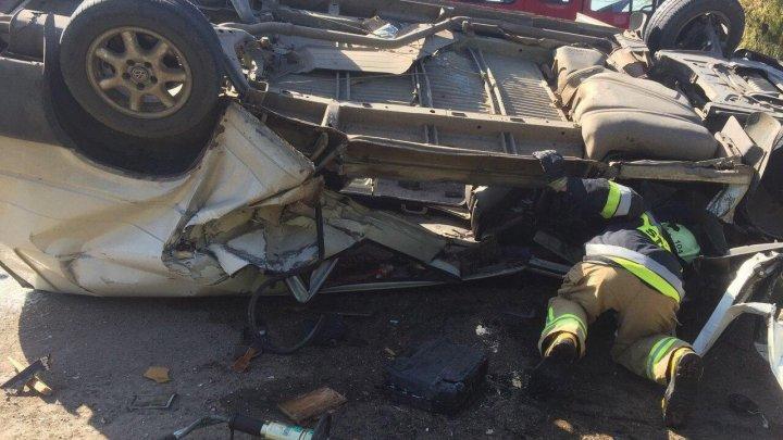 ACCIDENT GRAV în raionul Edineţ. Un mort şi doi răniţi. Cum s-a întâmplat tragedia (FOTO)