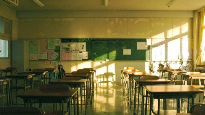 Prima școală închisă în România din cauza coronavirusului. O elevă întoarsă din Italia ar putea fi infectată cu Covid-19