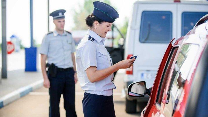 Folosea conştient permis de conducere fals. Cum s-a justificat un şofer moldovean, în timpul controlului la frontieră