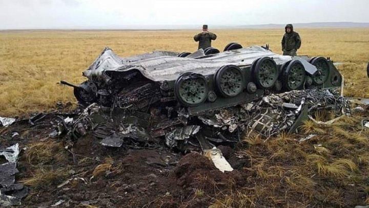 Două tancuri rusești, făcute bucăţi în timpul unui exerciţiu militar (FOTO)