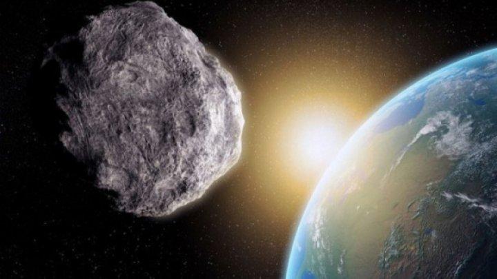 Un asteroid se apropie de Pământ la o distanța mai mică decât cea la care orbitează sateliții TV cu o viteză de 7,7 km/s