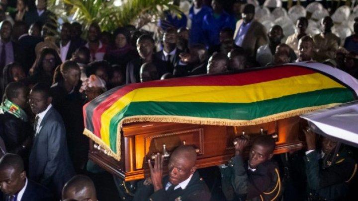 Fostul preşedinte din Zimbabwe, Robert Mugabe, a fost înhumat în satul său natal