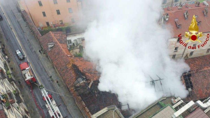 Un incendiu a distrus acoperişul Cavallerizza Reale din Torino