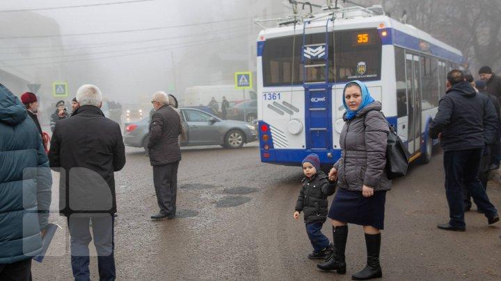 InfoTrafic: Ceață densă și carosabil umed. Cum se circulă la această oră în Capitală