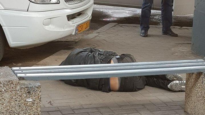 Tot mai strașnic de trăit! Moment surprins de un bărbat la Gara Auto din centrul Capitalei