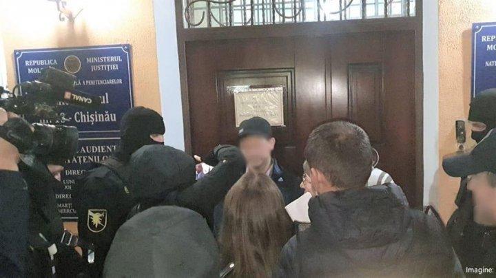 Judecătorii au prelungit arestul în cazul lui Oleg Pruteanu, alias Borman
