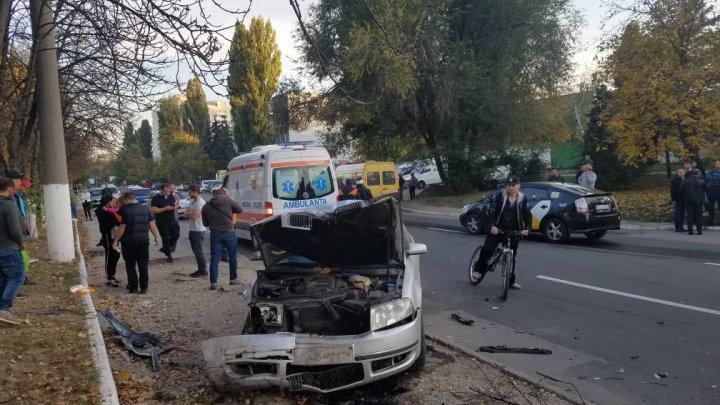 Încă un accident TERIFIANT în Capitală. Două mașini, implicate. Sunt RĂNIȚI (FOTO/VIDEO)
