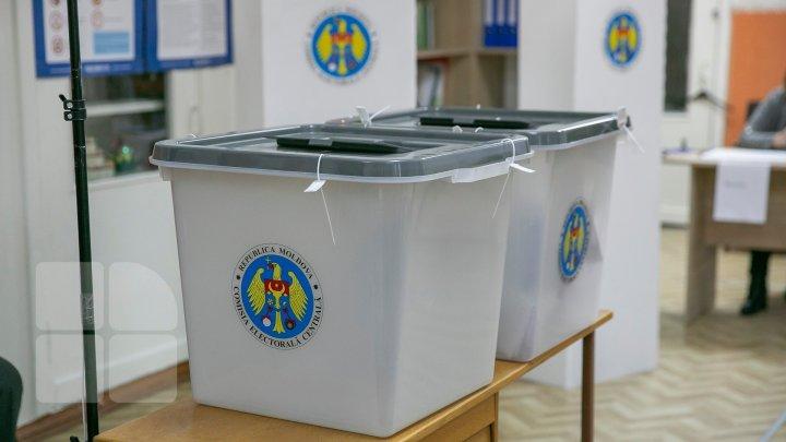 """""""Nație spurcată care strică tot"""". Un observator a fost luat pe sus de președintele unei secții de votare din Florești"""
